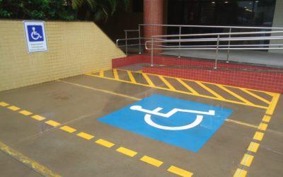 Pessoas com deficiência podem ter vagas gratuitas em estacionamentos