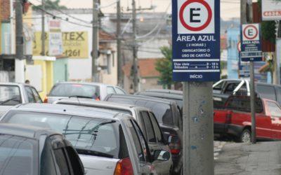 Governo do DF tem interesse em cobrar por estacionamento público