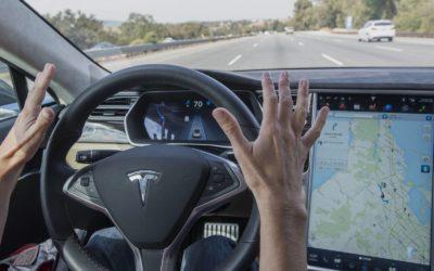 Depois do autônomo da Uber, Tesla divulga acidente com vítima